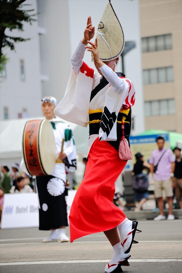 仙台雀踊り阿波踊り舞台女性単独05