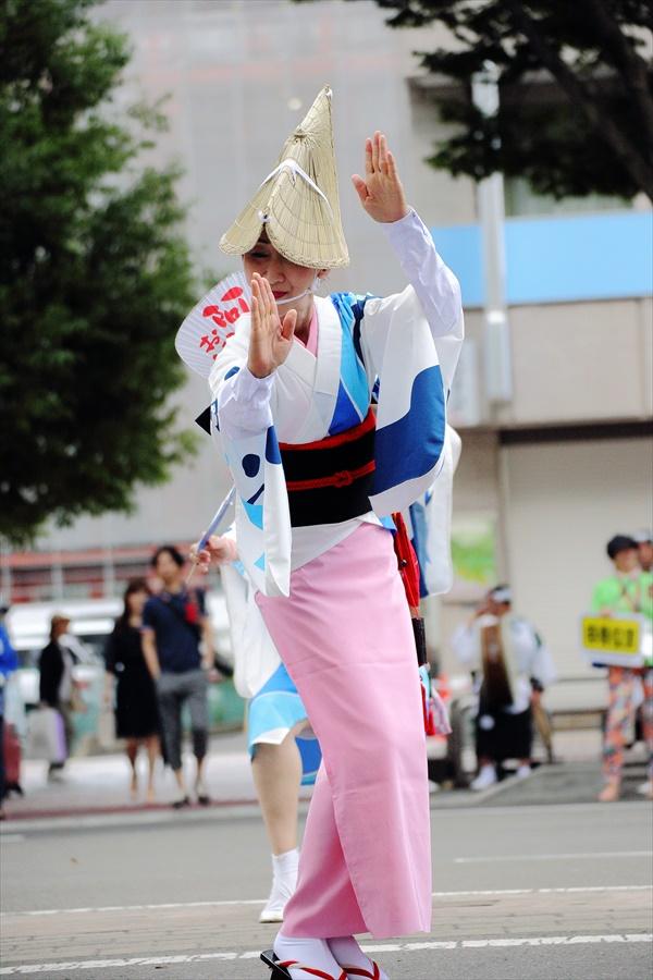 仙台雀踊り阿波踊り舞台03仙台連スタート女性単独01