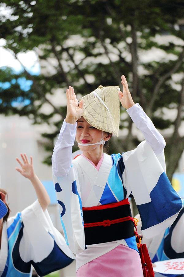 仙台雀踊り阿波踊り舞台03仙台連女性アップ03