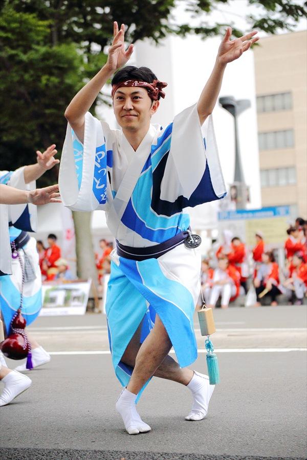 仙台雀踊り阿波踊り舞台03仙台連男単独04