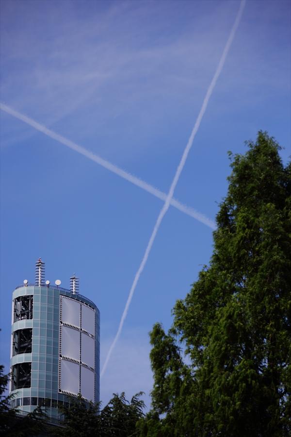 仙台夏休日クロス飛行機雲05
