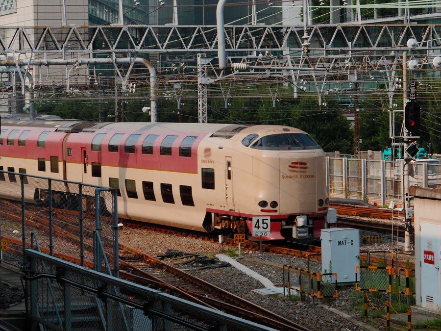 東京駅サンライズ04