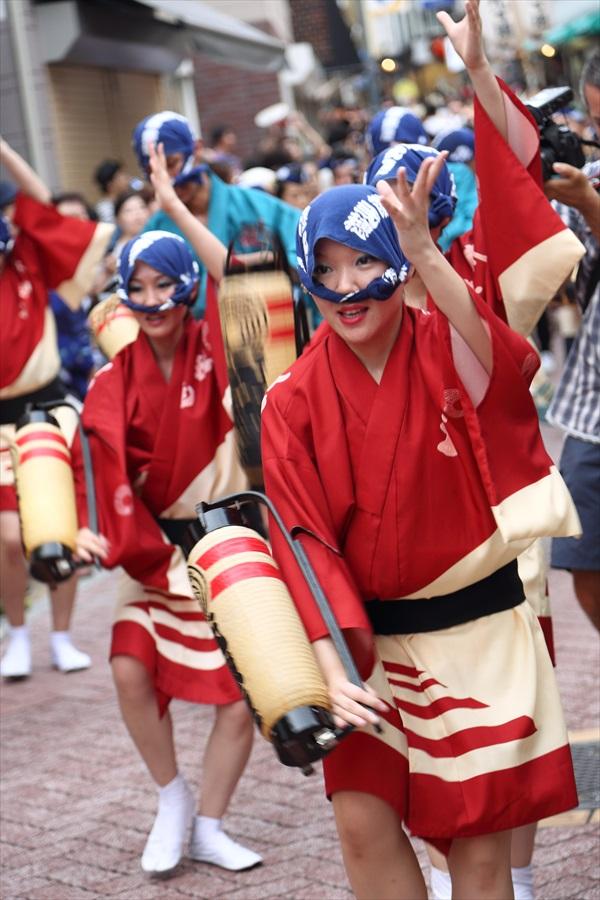 高円寺阿波踊り01男踊り女性04