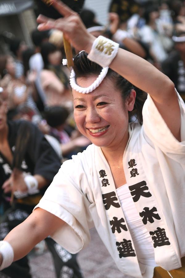 高円寺阿波踊り02天水連01一人女性05