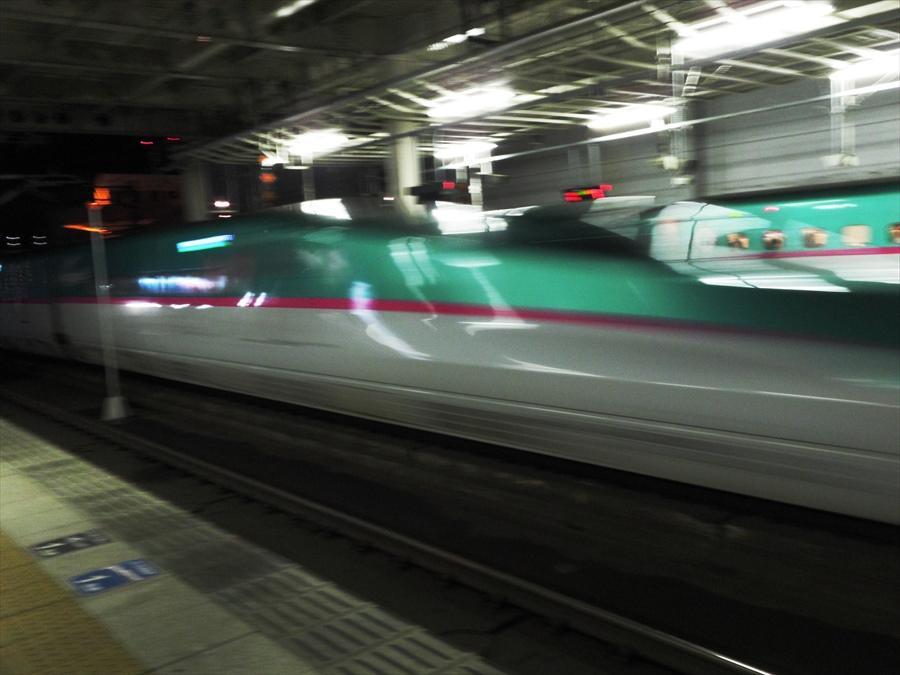 仙台駅到着E5系04
