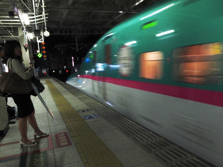 仙台駅到着E5系06