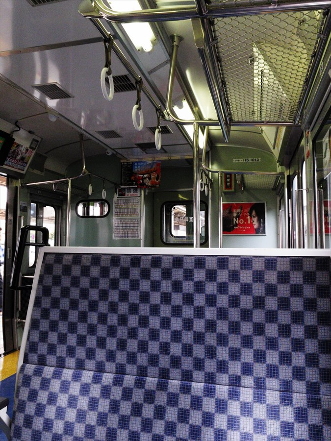 電車車内04