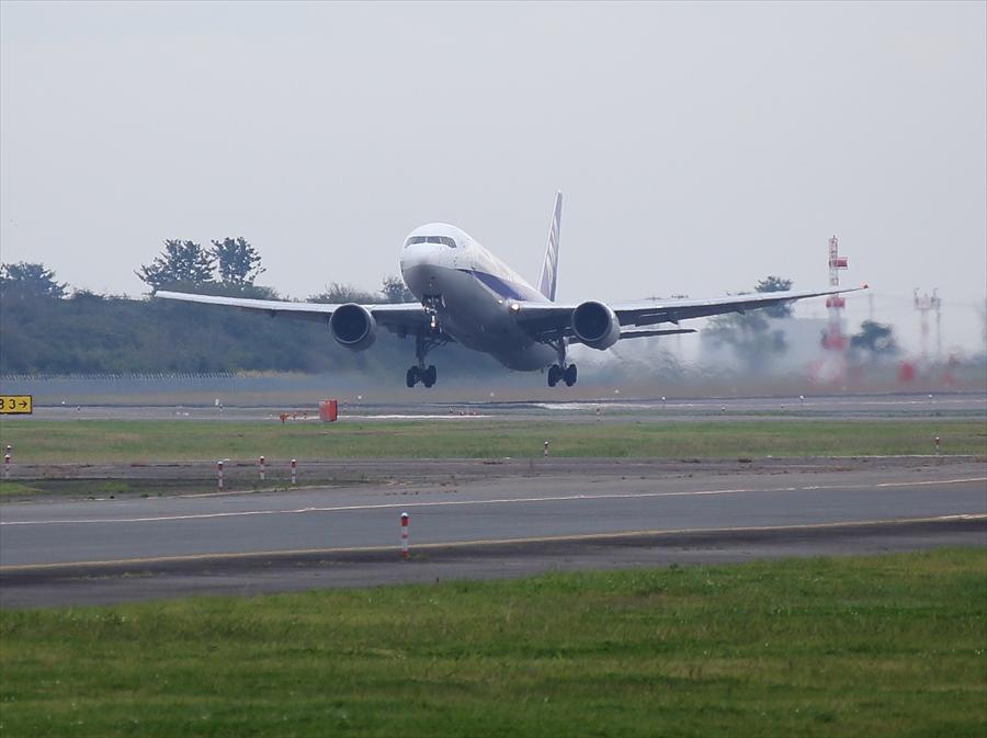 仙台空港撮影777離陸トリミング01