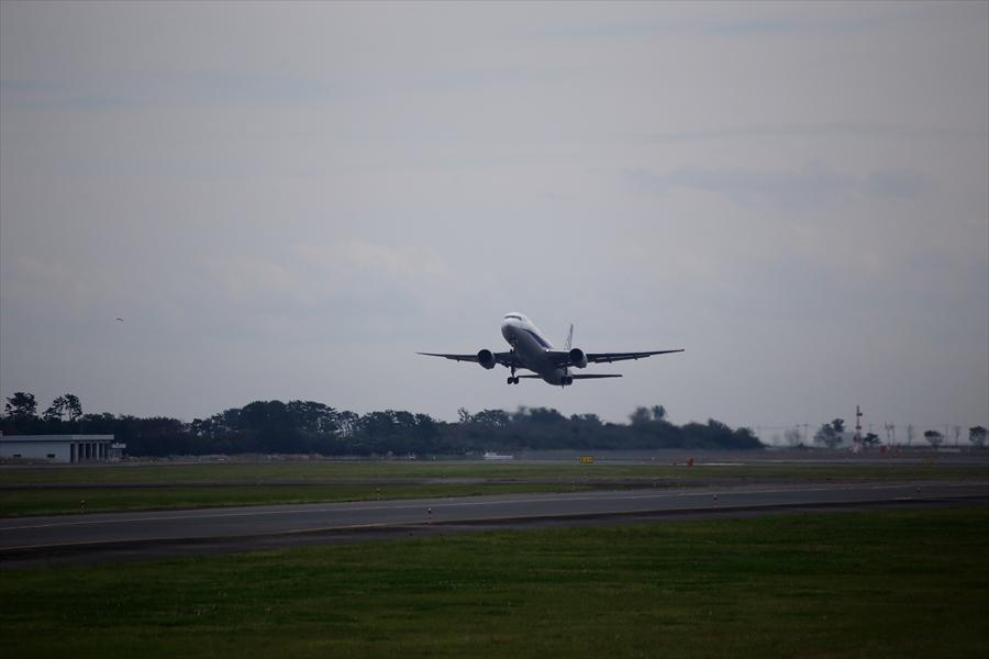 仙台空港撮影777離陸02