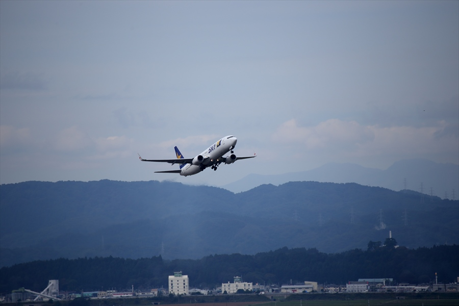 仙台空港撮影デッキスカイマーク離陸05