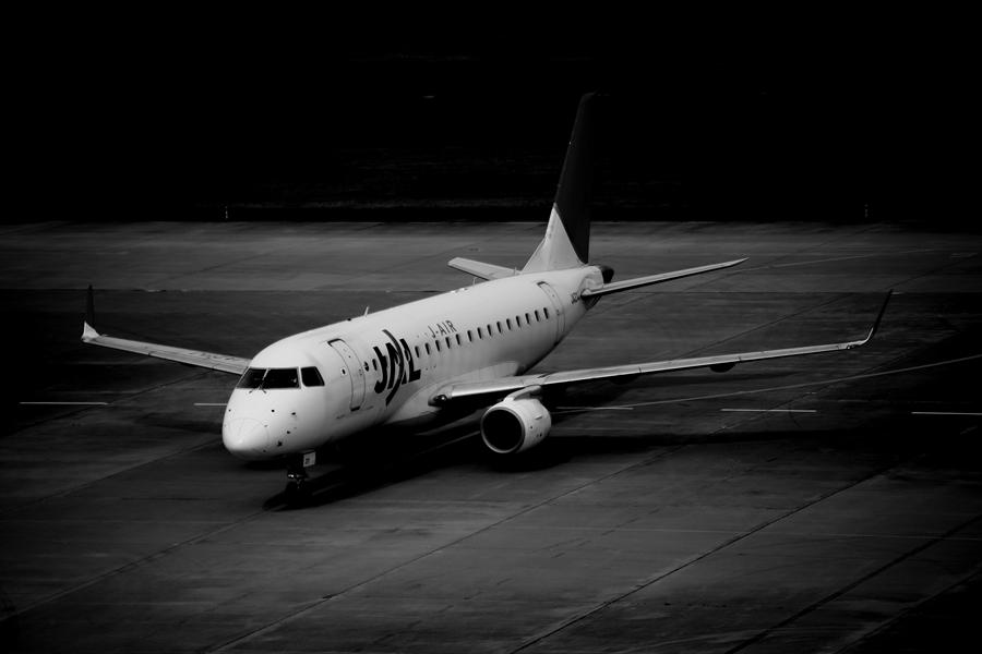 仙台空港撮影モノクロ0103