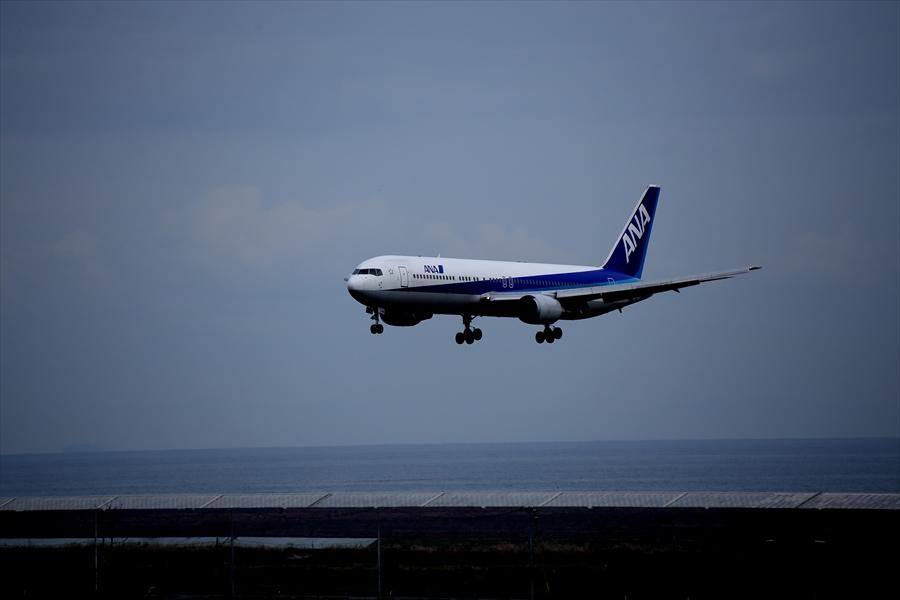 仙台空港撮影デッキ777アプローチ01