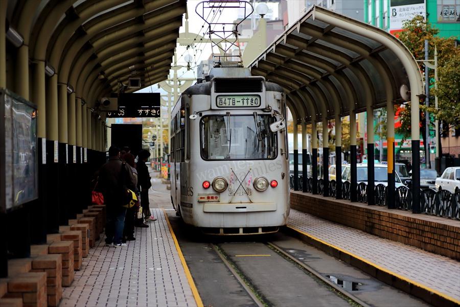 札幌市電と街角01