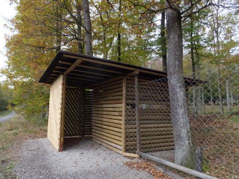 鹿の観察小屋1