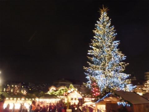 夜のクリスマスマーケット1