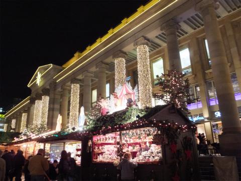 夜のクリスマスマーケット3