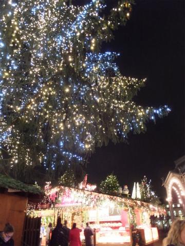 夜のクリスマスマーケット4