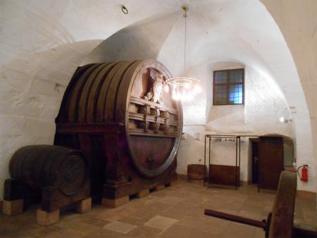ワインの大樽2