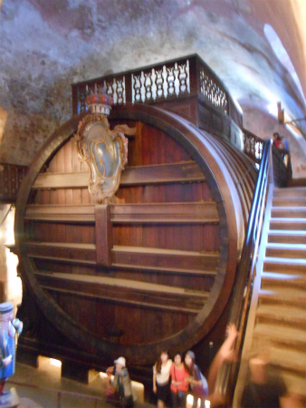 ワインの大樽3