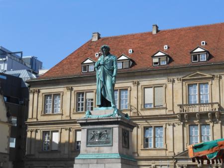 Schillerplatz2