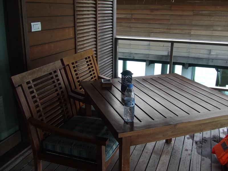 ココ:テーブル&チェア_R