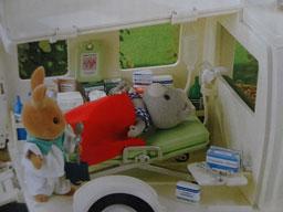 救急車 箱2