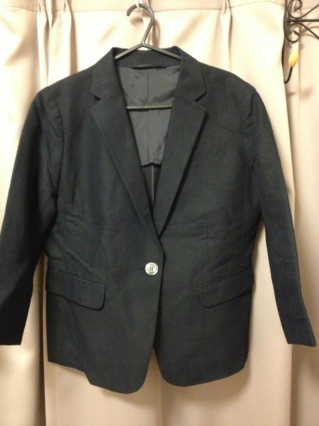 ユニクロ黒ジャケット