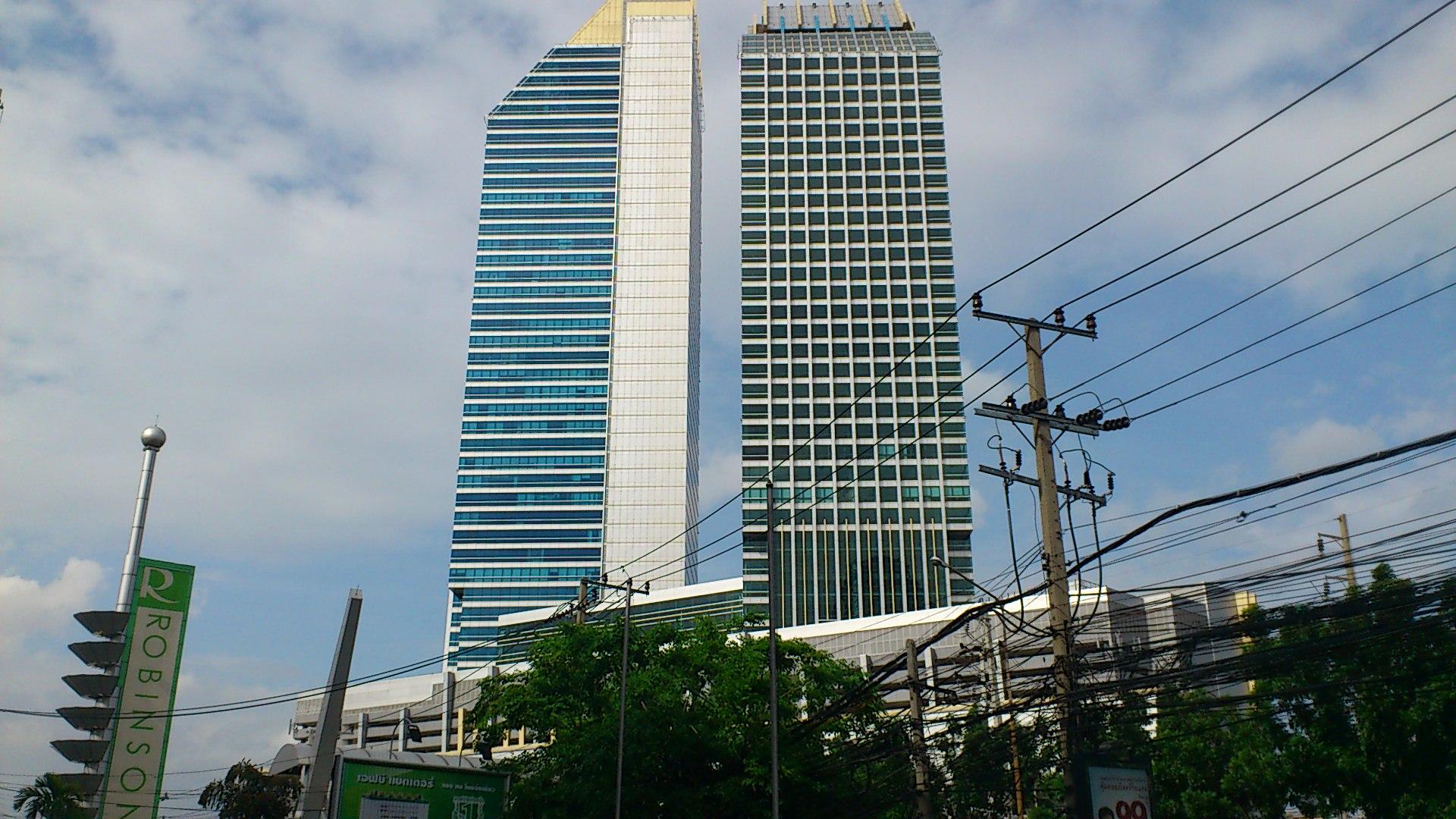 文化センター周辺の高層ビル