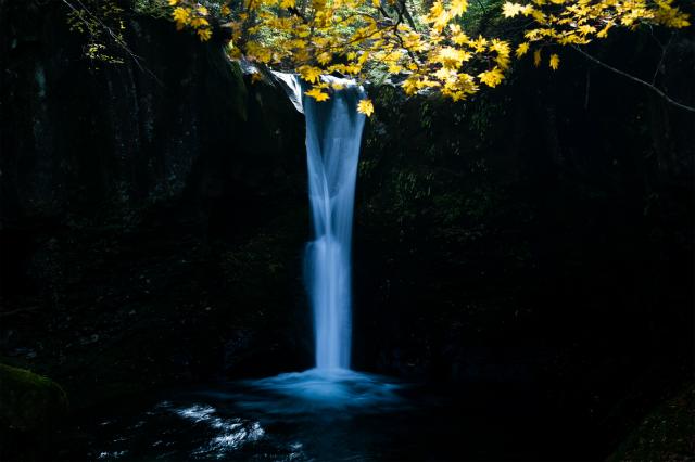 幻の滝 おしらじ