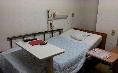 杉江産婦人科20130618 部屋内2
