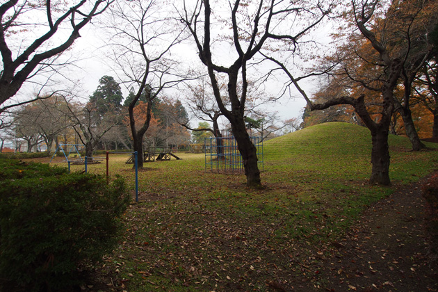 20141101_mutsu_shichinohe_castle-06.jpg