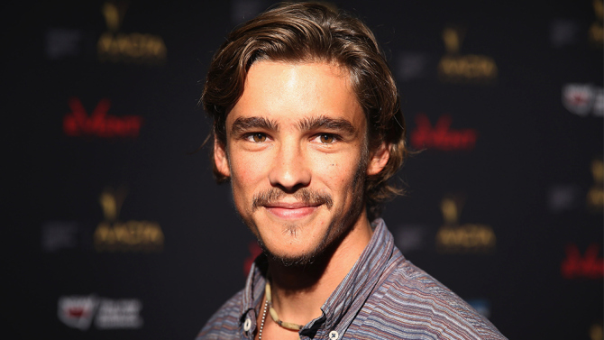 brenton-thwaites-pirates-of-the-caribbean.jpg