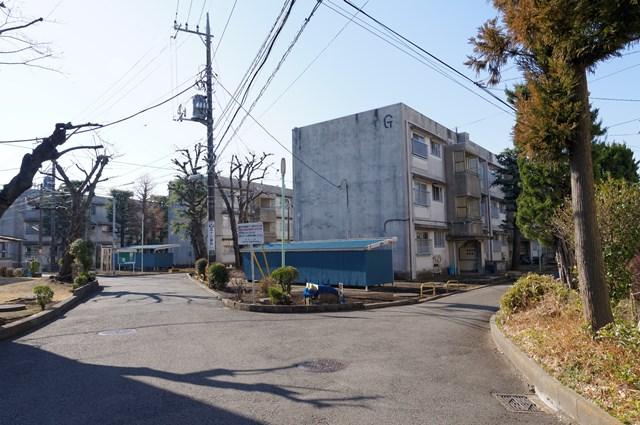 神奈川県営鶴ヶ峰団地の住棟群