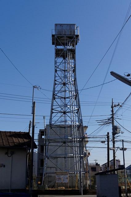 西側から見た神奈川県営鶴ヶ峰団地給水塔