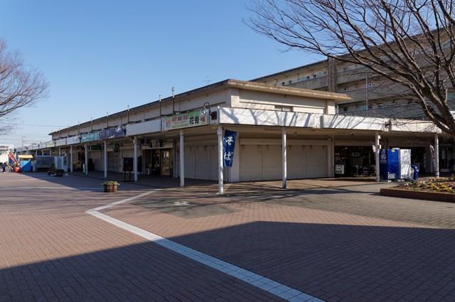 公団浜見平団地の商店街