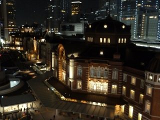 夜の東京駅