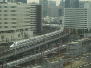 東海道新幹線と大井回送線
