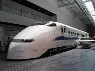 300系323形式 新幹線電車