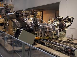 ロボットによるスポット溶接
