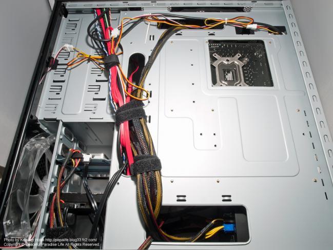 自作PCの配線、裏側