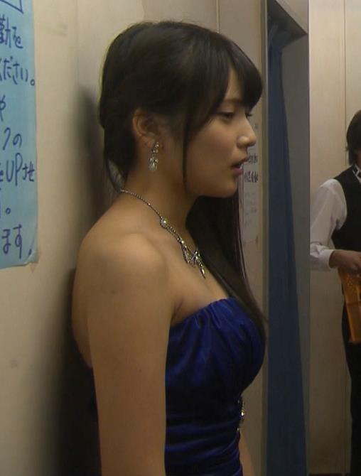 入山杏奈 おっぱいでけぇ(キャバ嬢ドレス横乳)キャプ画像(エロ・アイコラ画像)