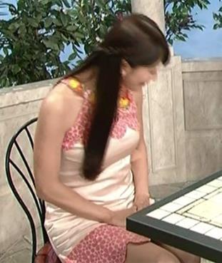 八田亜矢子 エロい衣装で教育番組してるキャプ画像(エロ・アイコラ画像)