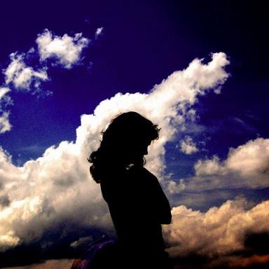 フリー画像・空と女