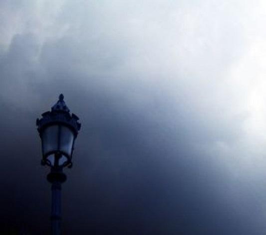 フリー画像霞の中のランプ