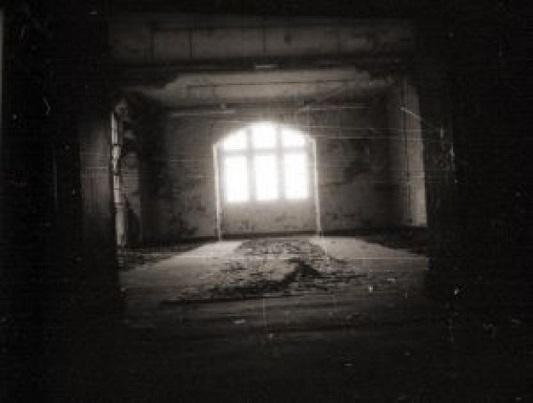 window_2469663.jpg