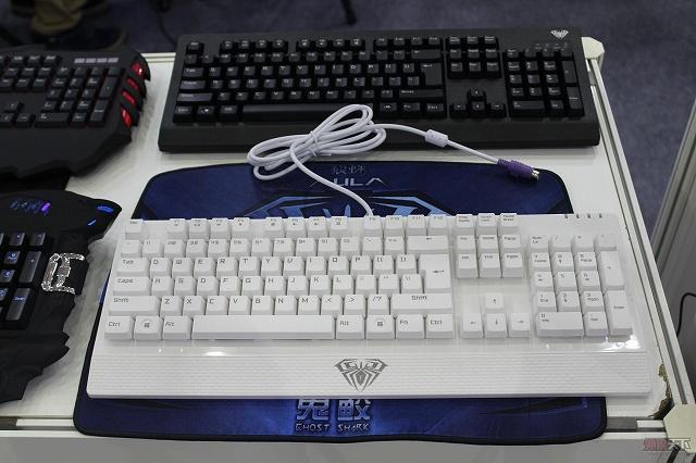 AULA_Mechanical_Keyboard_17.jpg
