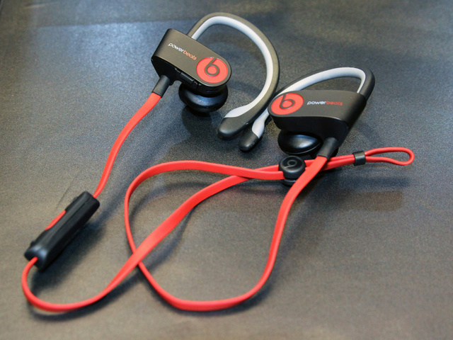 Powerbeats2_01.jpg