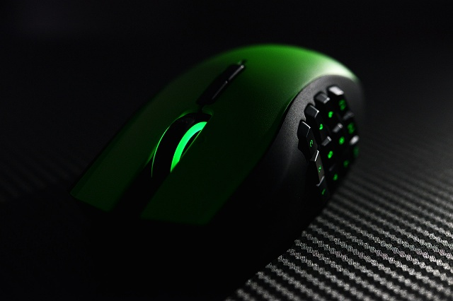 Razer_Naga_LimitedRazerGreenEdition_08.jpg